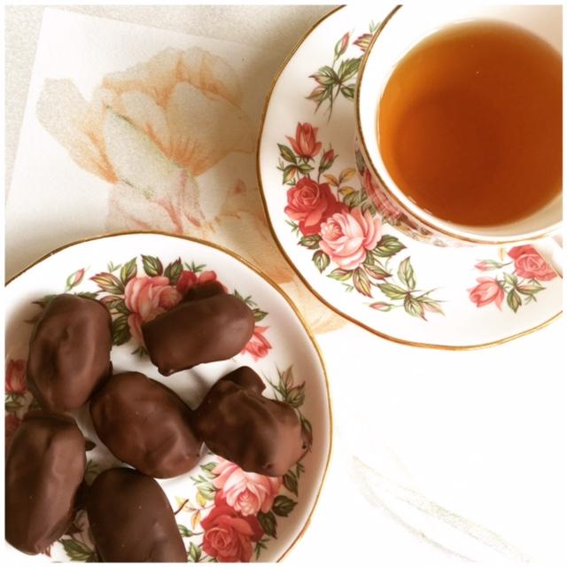 Chocolade dadels met amandel