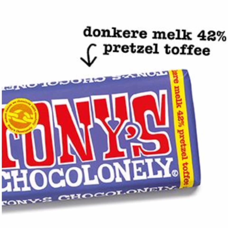 Review Tony's donkere melk 42%, pretzel toffee